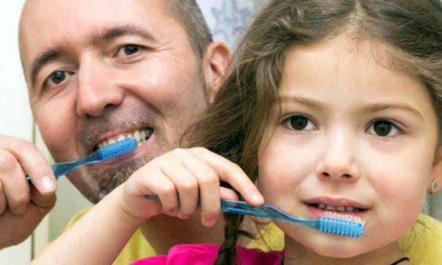 Zahnpflege Baby & älteres Kind – von Anfang an richtig