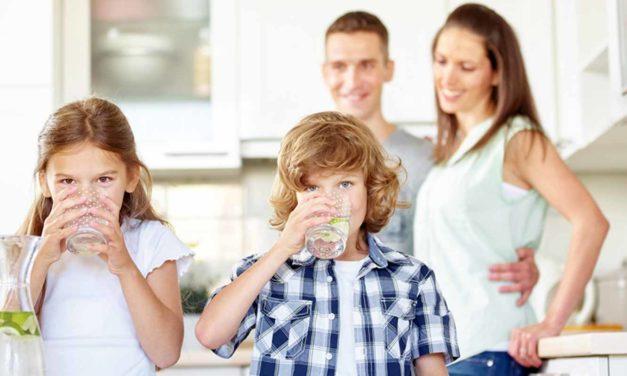 Was trinken Babys und Kleinkinder?