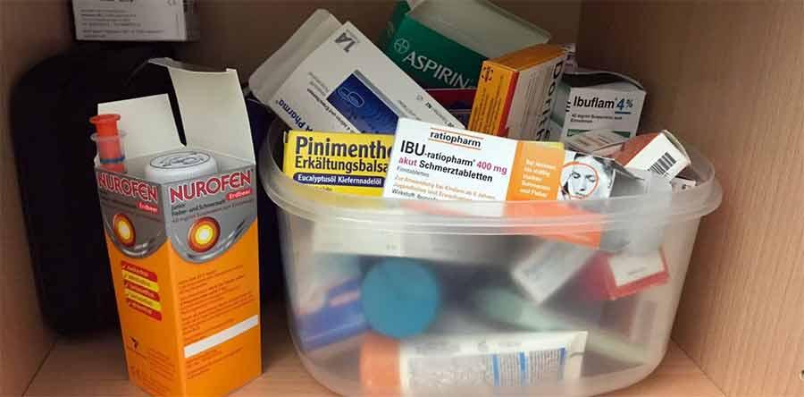 Erste-Hilfe-Kasten und Notfallapotheke für Kinder
