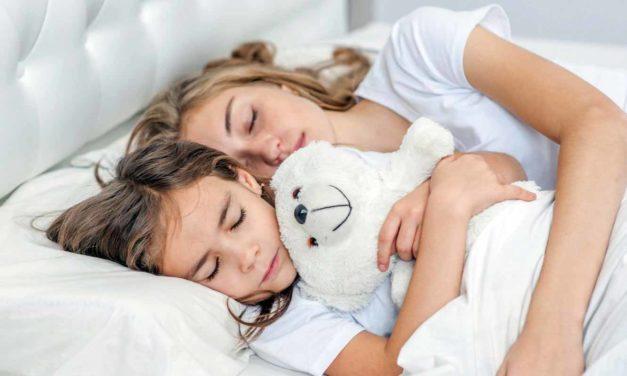 Ab wann müssen Kinder alleine schlafen?