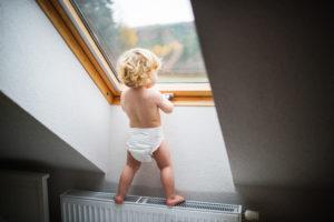 Bild von Kleinkind in Windeln