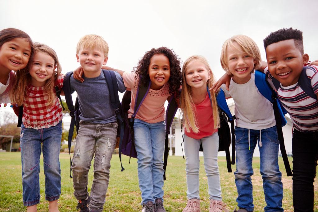 Bild von glücklichen Kindern