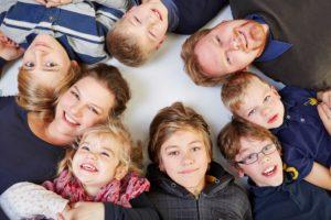 Bild von kinderreicher Familie
