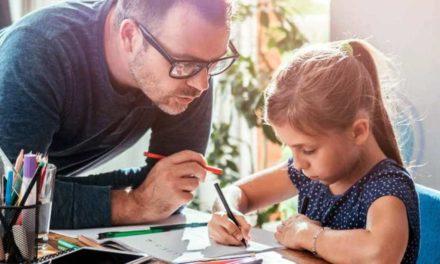 Hausaufgaben – Stressthema für Väter