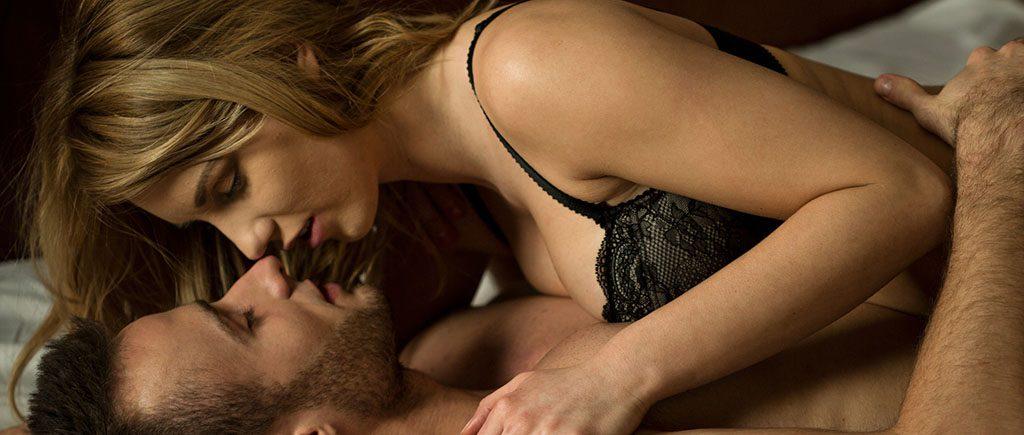 Bild eines Paares beim Sex in der Schwangerschaft